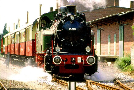 "Toenisvorst offers you the opportunity to take a ride on a historic train called ""The Schluff"". It runs from Mai to Oktober."